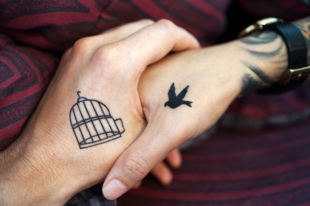 Ideias de tatuagens romanticas para fazer a dois