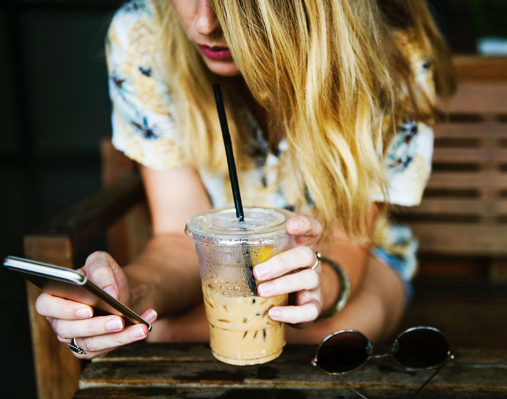 6 mensagens que não deve enviar num relacionamento